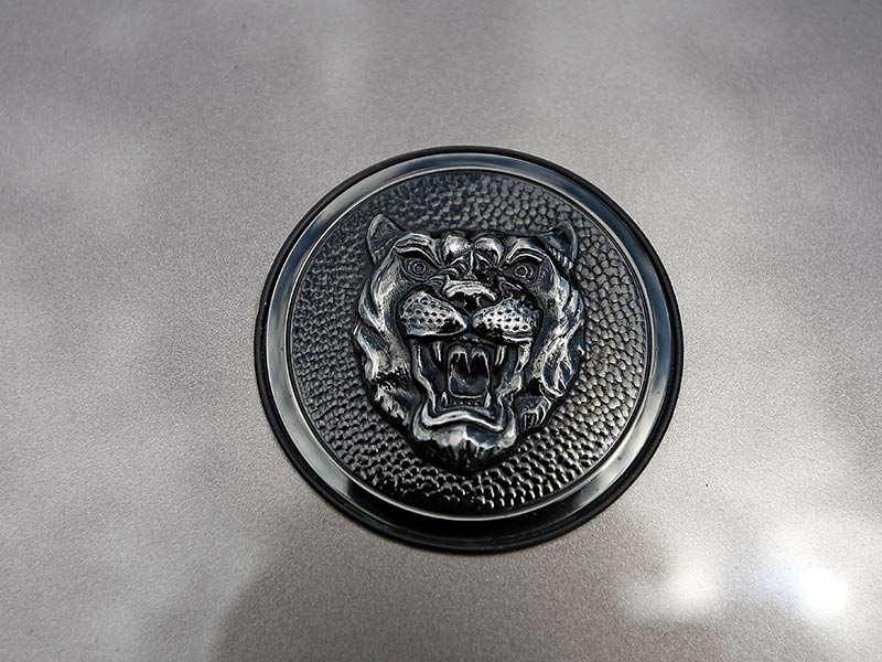 Jaguar -XJS-badge