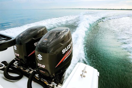 Twin 250hp Suzuki outboards on White Pointer 263 Hardtop