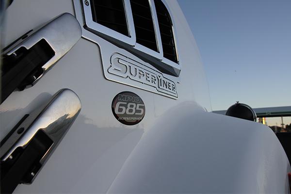 Mack -Super -Liner ,-685,-60-inch -Sleeper ,-Owner Driver4