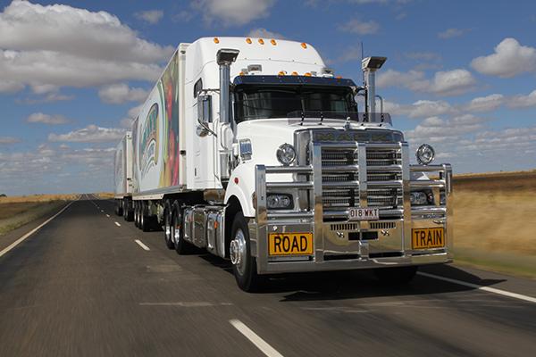 Mack -Super -Liner ,-685,-60-inch -Sleeper ,-Owner Driver6