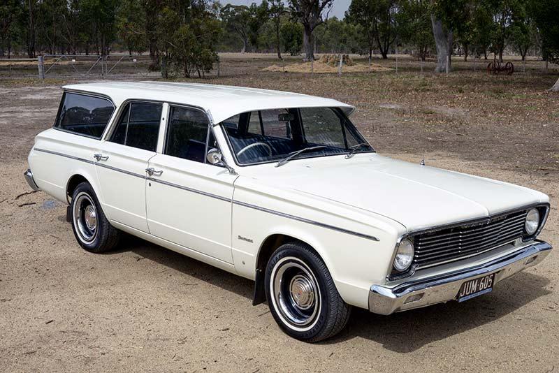 Chrysler -Valiant -Safari -wagon -front -right -2