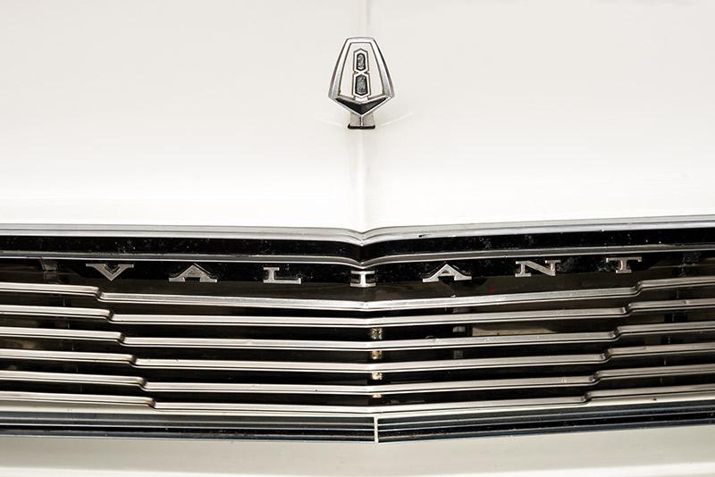 Valiant -Regal -front -grille