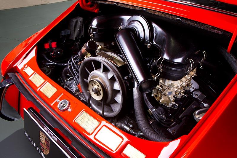 Porsche -911T-engine -1