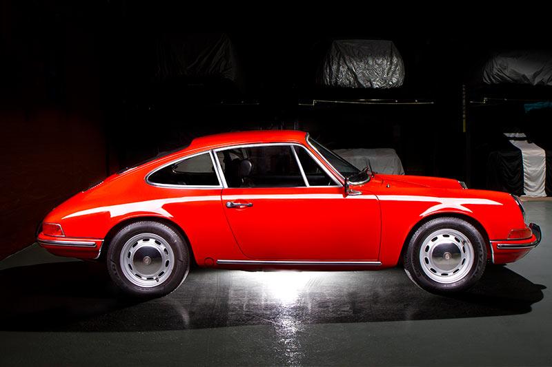 Porsche -911T-side -view