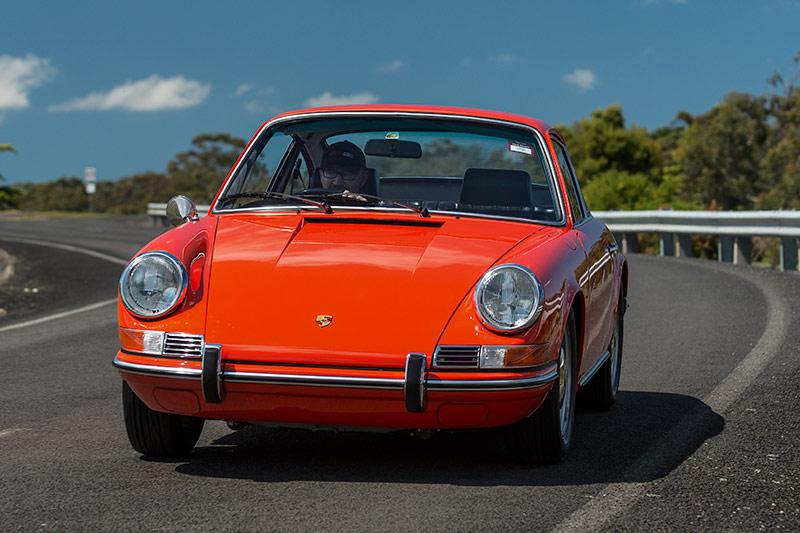 Porsche -911T-onroad -front