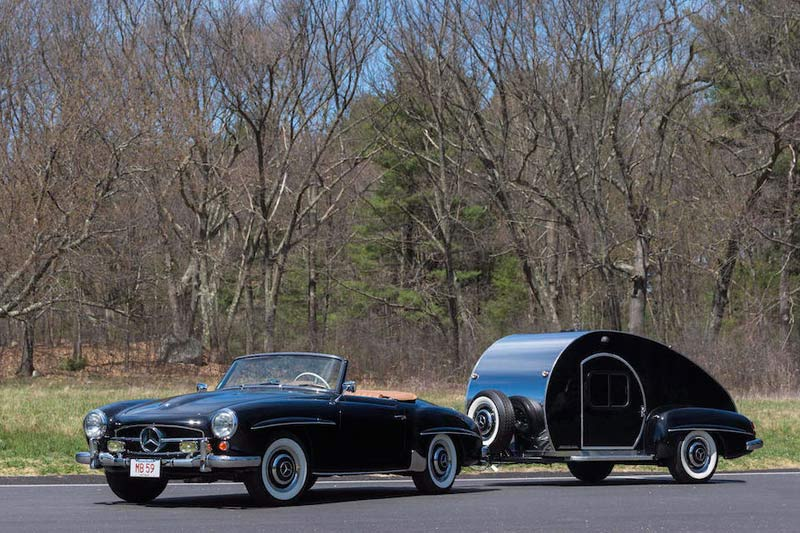 Mercedes -benz -roadster -with -trailer