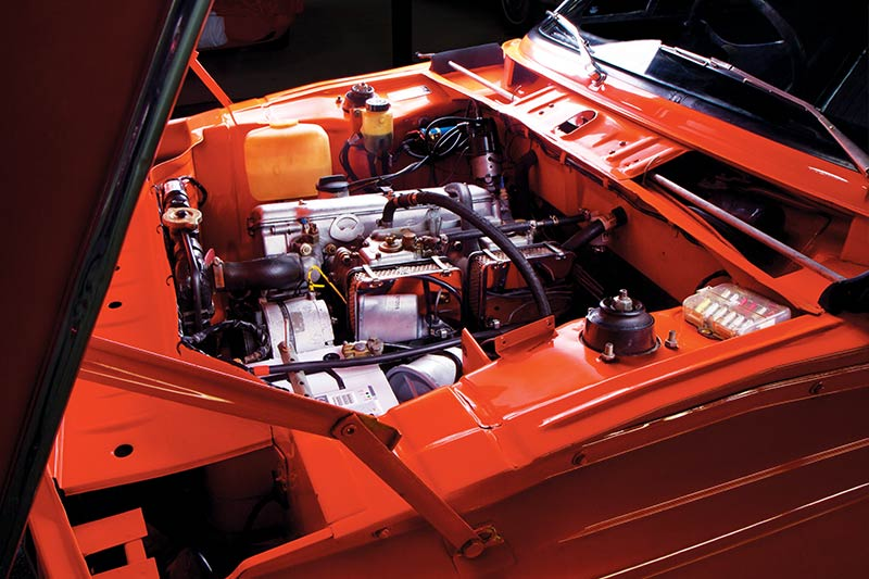 BMW-2002-engine -bay