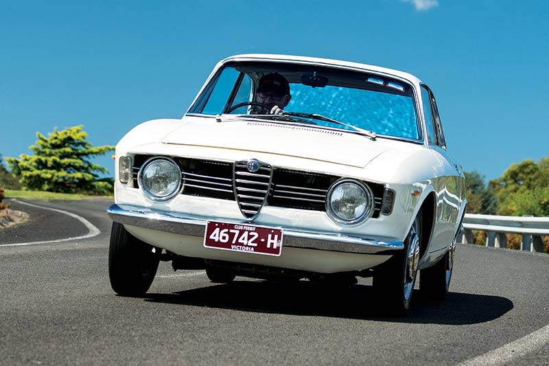Alfa -Romeo -105-onroad -3
