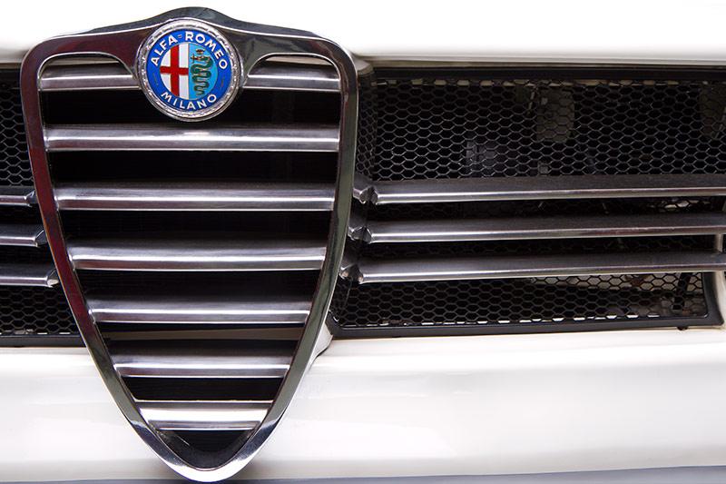 Alfa -Romeo -105-grille