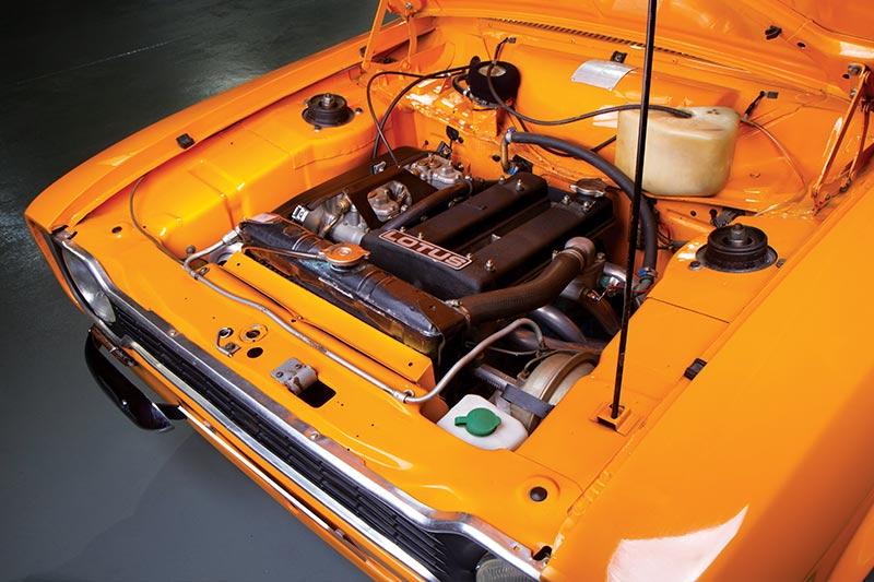 Ford -Escort -engine -bay