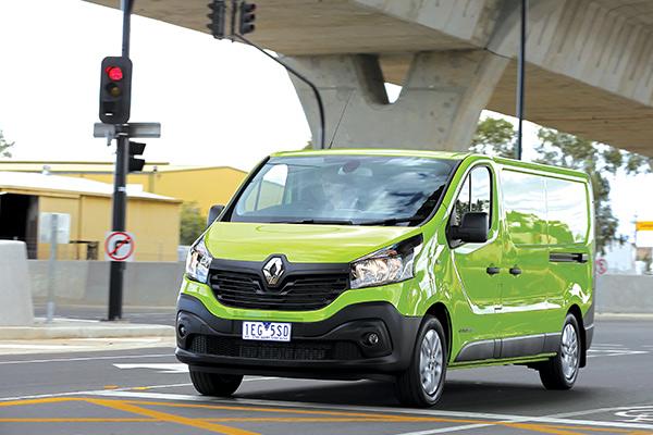 Renault ,-Trafic ,-Review ,-Van -Comparison
