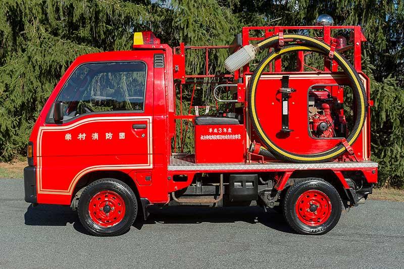 Subaru -sambar -4x 4-fire -truck -side