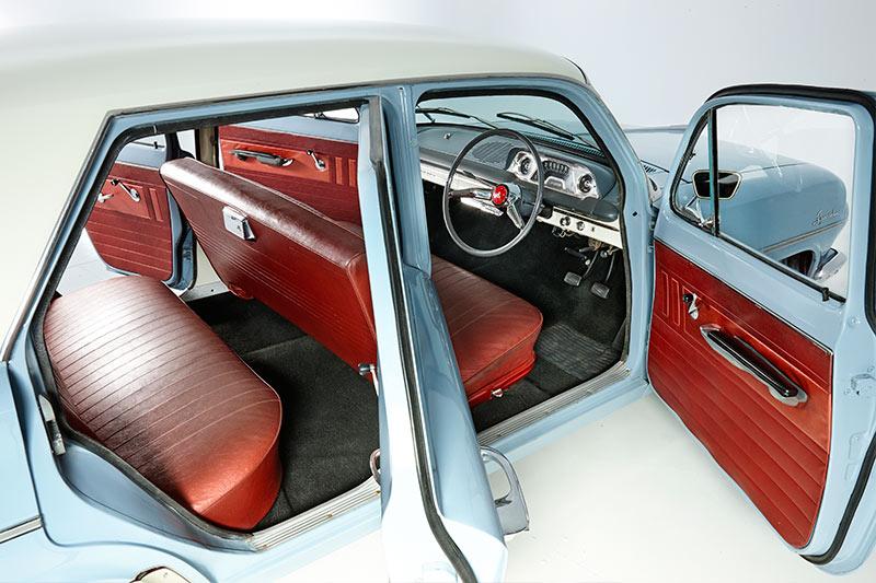 Eh -Holden -dash