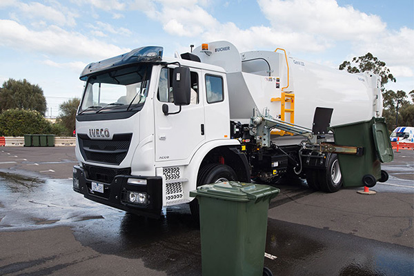Grab -for -Garbage -Iveco -ACCO,-Trade Trucks2