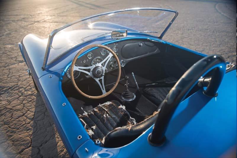 Cobra -interior