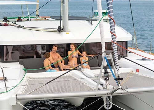 Family on Lagoon 450 S catamaran
