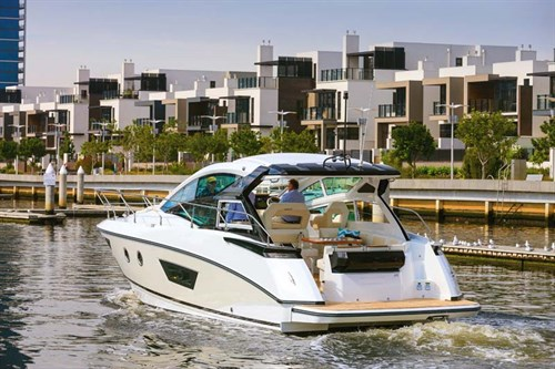 Beneteau power boat