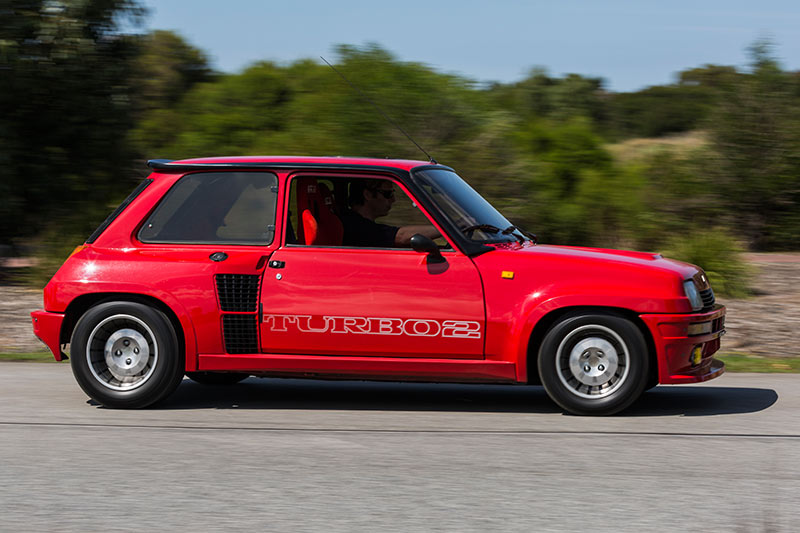 Renault -5-Turbo -2-Data -motion -rear