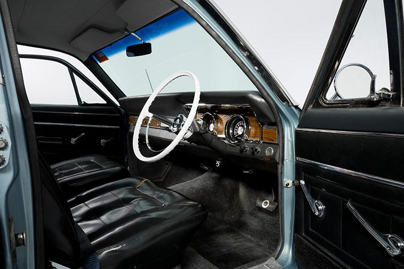 XR-Falcon -interior -front -2