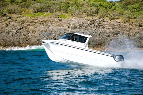 Noosa Cat 2400 Series Open Cabin