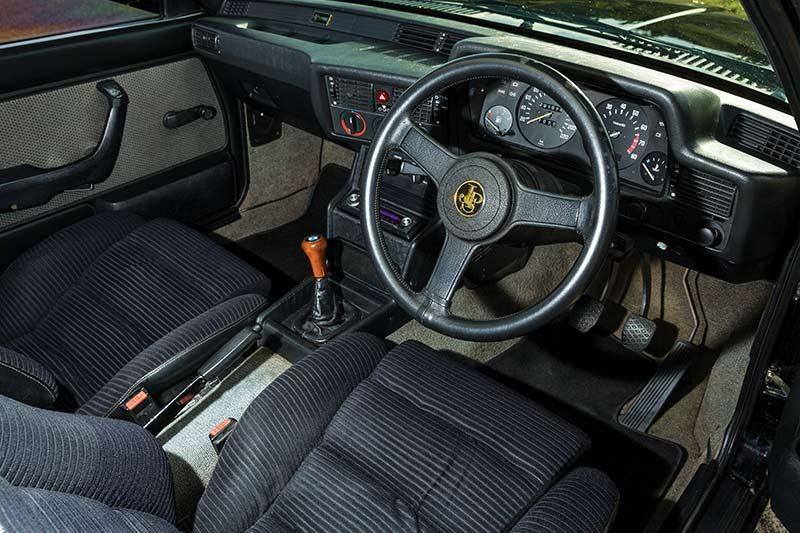 BMW-323i -interior