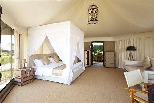 Rivershore Resort - King Safari 2