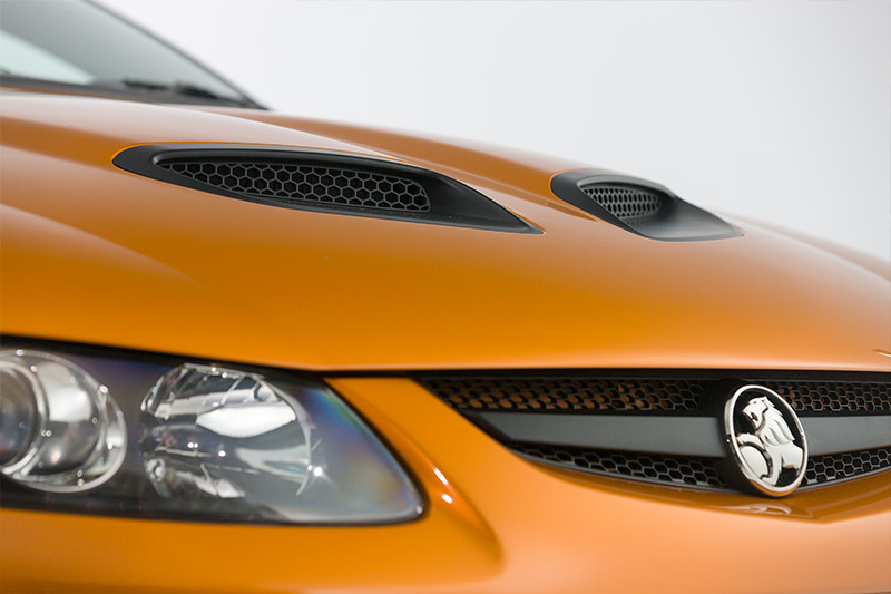 Holden -V2-CV8-Monaro -headlight
