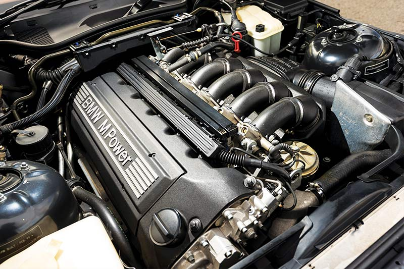 Bmw -z 3-m -coupe -engine