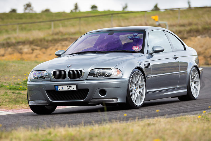 BMW-M3-E46-CSL-ontrack -front
