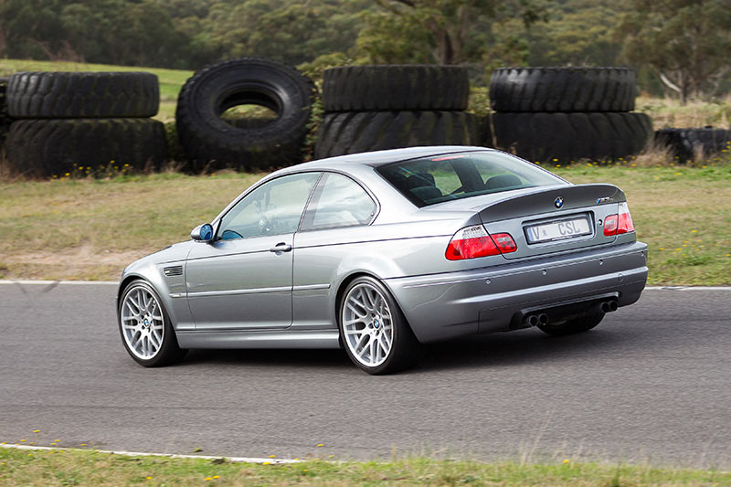 BMW-M3-E46-CSL-ontrack -rear