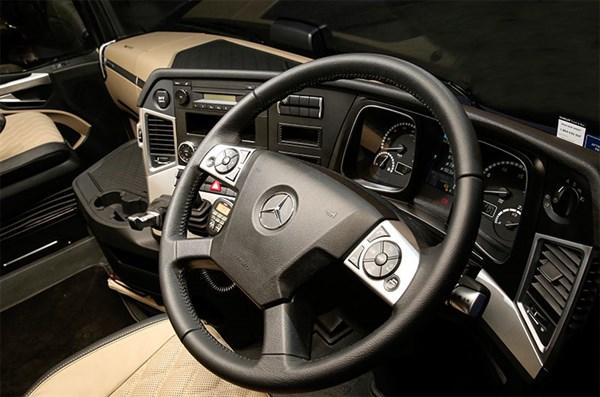 Mercedes -Benz ,-Actros ,-New -Benz ,-Test -Drive ,-Steve -Brooks ,-Trade Trucks2