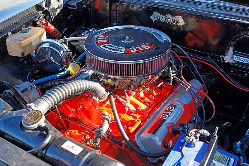 Dodge -Phoenix -engine -bay