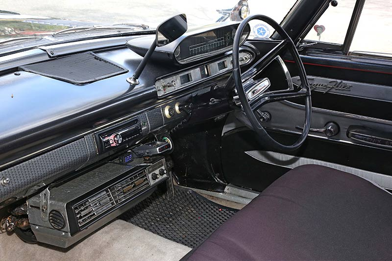 Dodge -Phoenix -interior -front -2