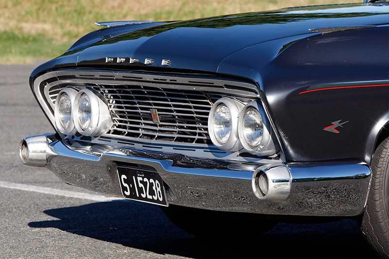 Dodge -Phoenix -front -detail