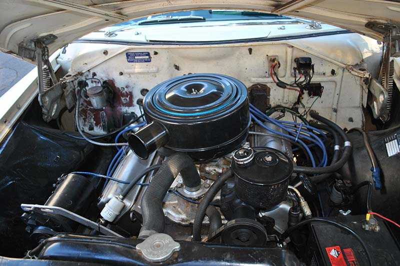 Chrysler -royal -engine -bay