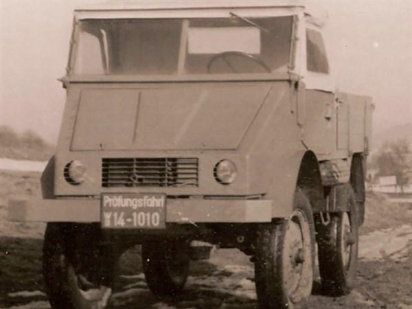 Daimler -Unimog ,-History ,-Timeline ,-Trade Trucks2