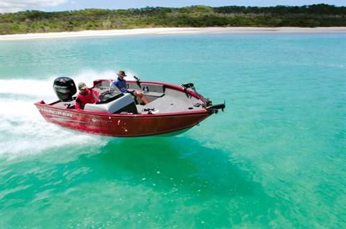 Tracker Pro-Guide V-175 SC bass boat
