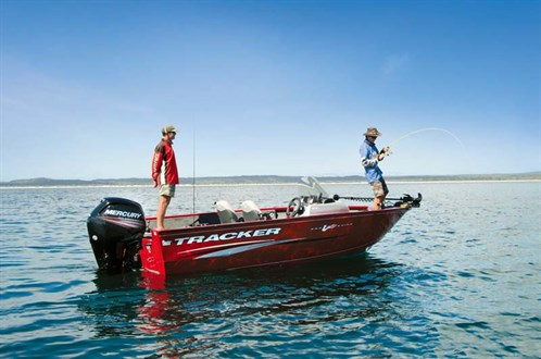 Tracker Pro-Guide V-175 SC fishing boat
