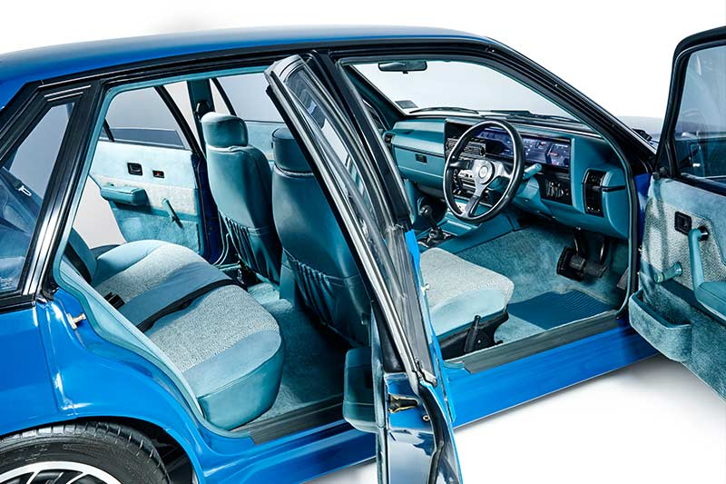 Holden -hdt -vk -commodore -interior