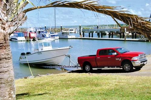 Mako 284 Centre Console at boat ramp