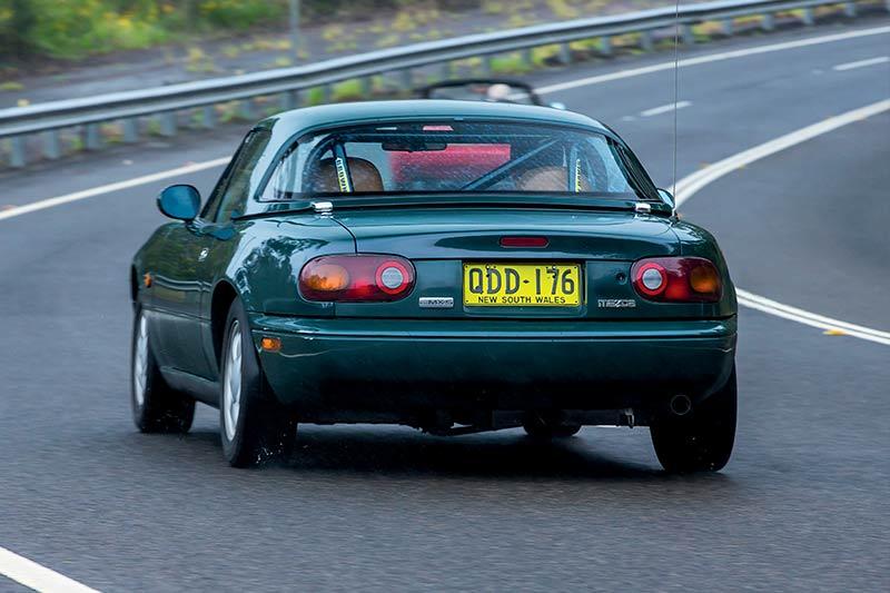 Mazda -mx 5-onroad -3