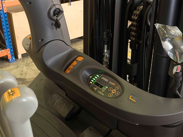 Crown -C5,-Forklift -Review ,-ATN6