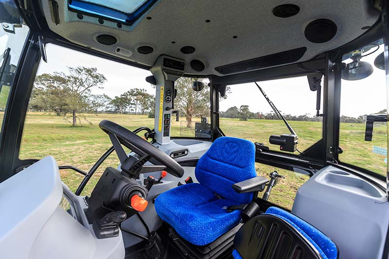 New Holland TD5.90 tractor cabin