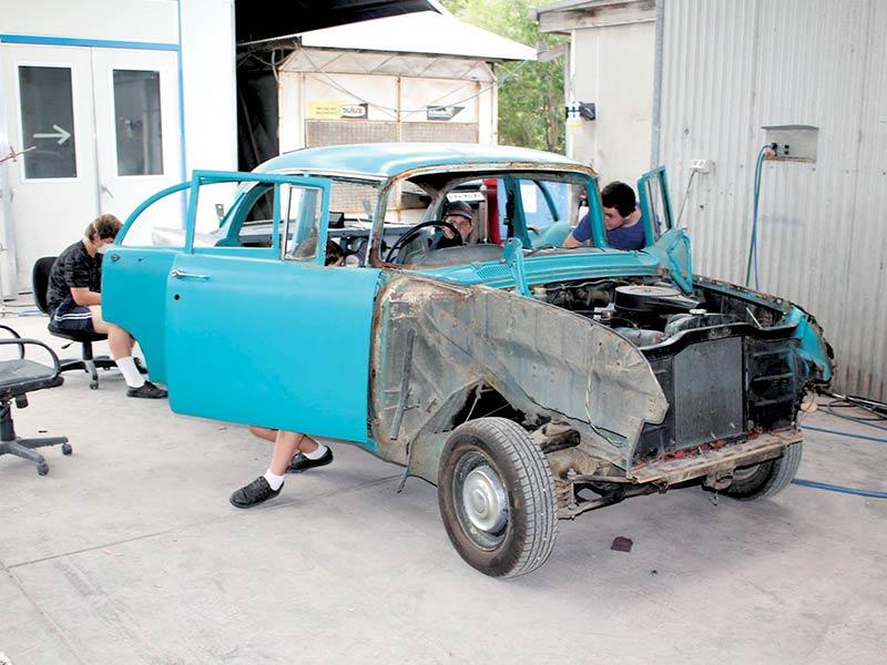 Holden -ek -resto -5