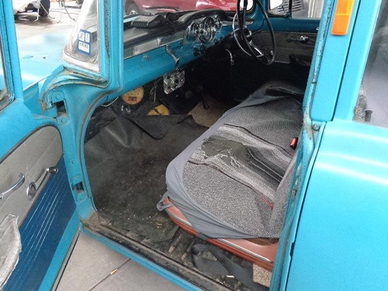 Holden -ek -interior