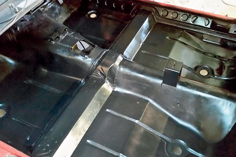 Holden -torana -hatch -floor -after