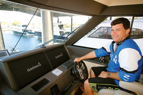 Garmin electronics dash in Maritimo M51 helm