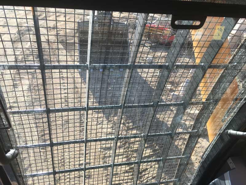 Hyundai R520LC-9 excavator window mesh