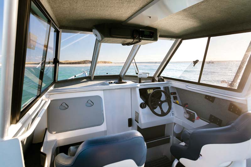 Cockpit in Surtees 700 Gamefisher