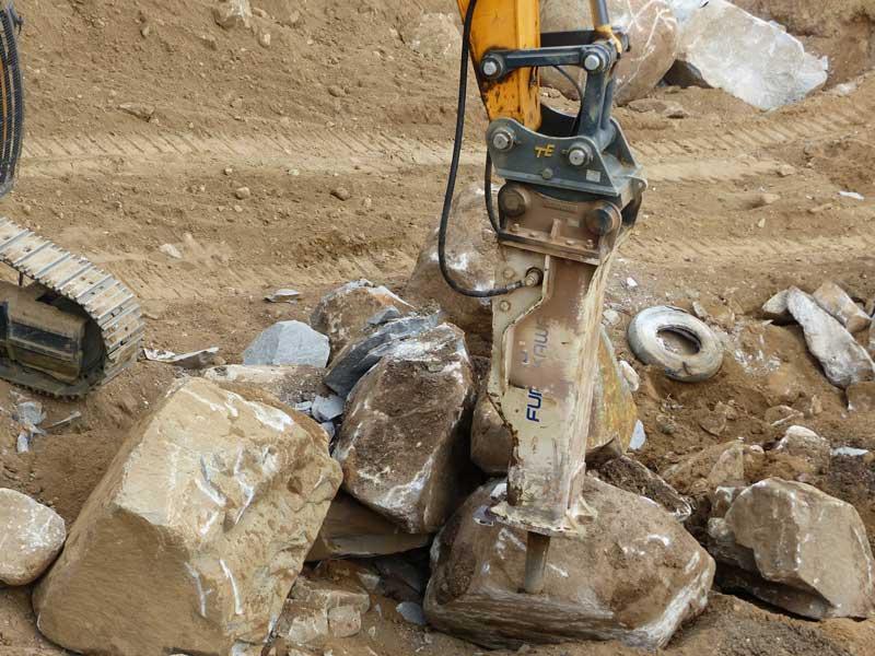 Furukawa F70 hydraulic hammer